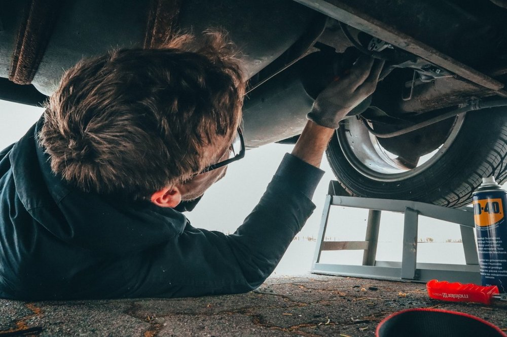 Co łatwo samemu naprawić w samochodzie?